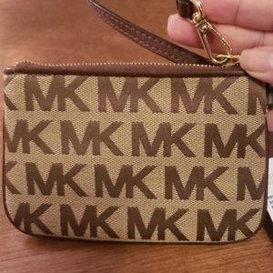 MICHAEL Michael Kors Bags - Michael Kors brown wristlet wallet nwt